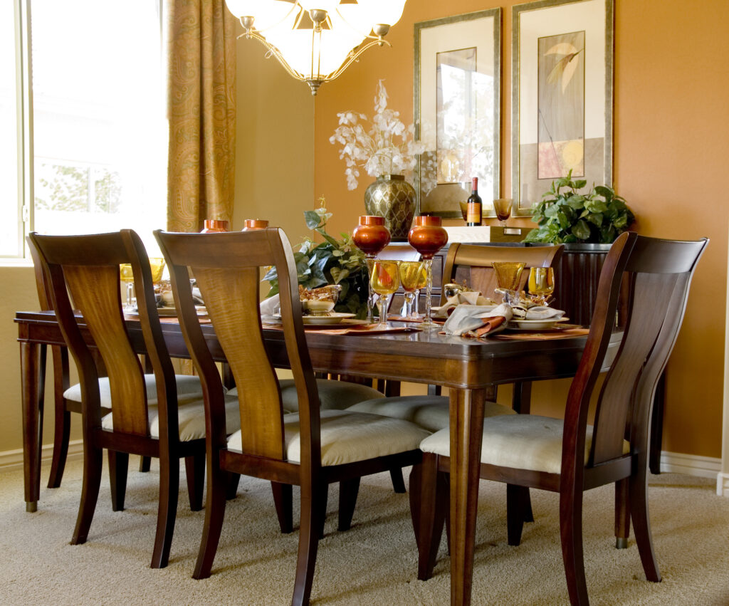 Selecting the Perfect Dining Room Furniture: 5 Tips for Your Room's Aesthetic