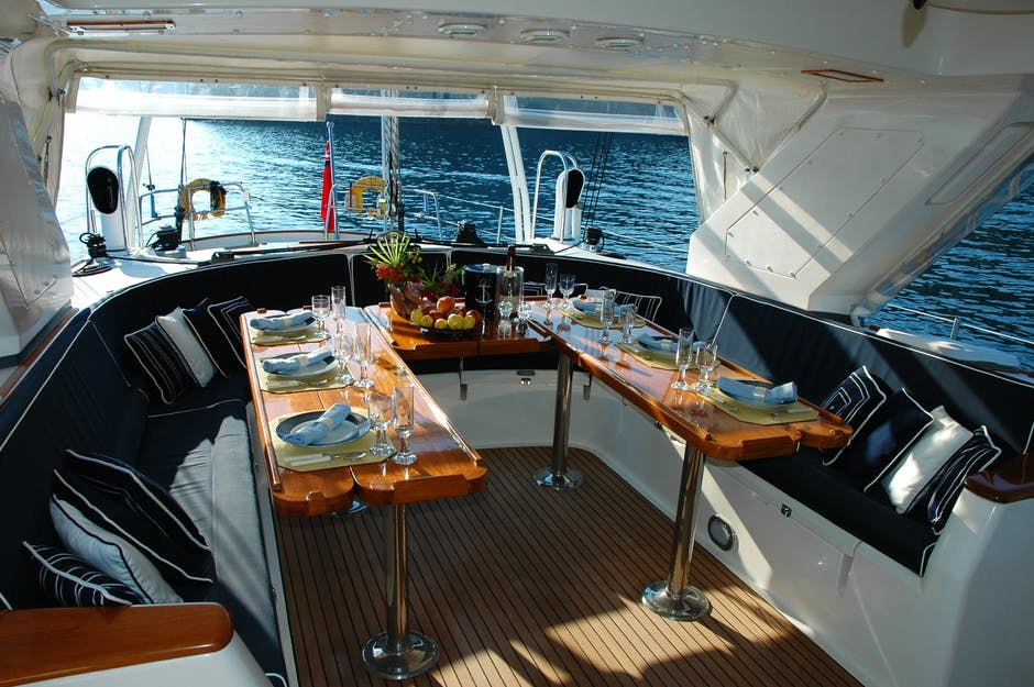 5 Reasons Why You Should Host Your Next Party on a Yacht