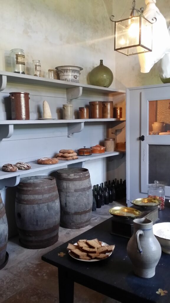 5 Great Ideas for Pantry Doors