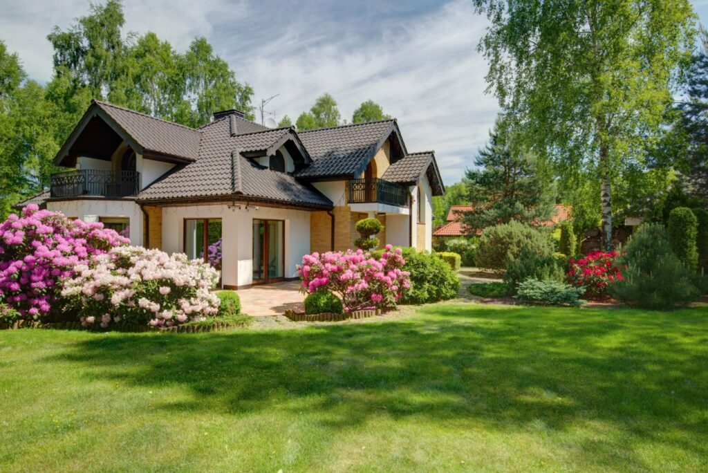 4 Things That Affect Home Curb Appeal (and 4 Things That Don't)
